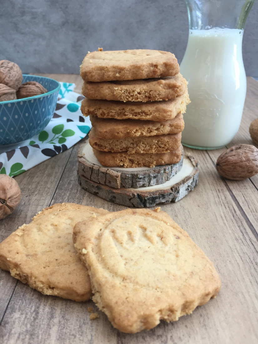 Biscotti shortbread alle noci