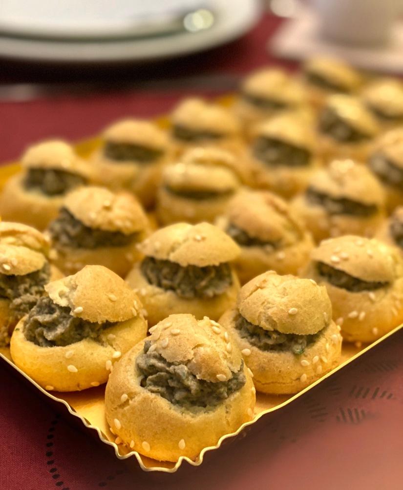 Bignè salati con crema di funghi trifolati